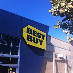 Photo taken at Best Buy by Skipper on 11/3/2012