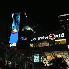 Photo taken at CentralWorld (เซ็นทรัลเวิลด์) by 志鴻 吳. on 7/6/2013