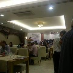 Photo taken at Hasırlı Osmanlı Mutfağı by Özcan Y. on 7/27/2013