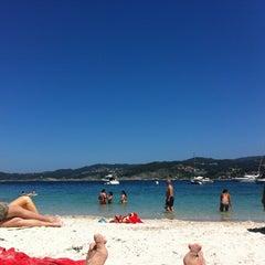 Photo taken at Praia de Castiñeiras by Berto O. on 7/29/2012