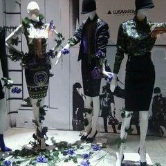 Photo taken at Luisa Via Roma by Kukky L. on 10/28/2011