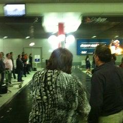 Photo taken at Qantas Baggage Carousel by Brisbane Corporate Cars on 10/9/2011