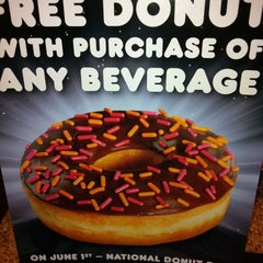 Photo taken at Dunkin Donuts by Jen L. on 5/5/2012