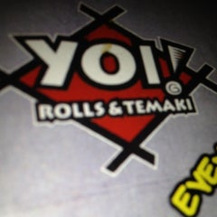 Photo taken at Yoi! Rolls & Temaki by Eric T. on 8/1/2012