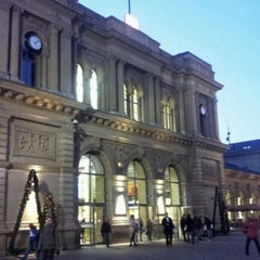 Photo taken at Mainz Hauptbahnhof by Ivan P. on 11/15/2011