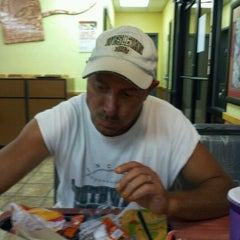 Photo taken at Taco Bell by Mary E. on 9/10/2011