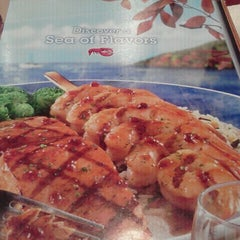 Photo taken at Red Lobster by Rebecca on 9/24/2011