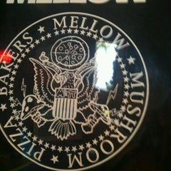 Photo taken at Mellow Mushroom by Joe on 9/3/2011