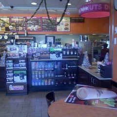 Photo taken at Dunkin Donuts by The P. on 12/28/2011