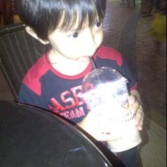 Photo taken at Gloria Jeans Coffees by miza (. on 10/22/2011