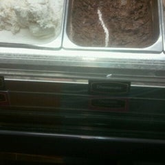 Photo taken at Cold Stone Creamery by Deejay on 3/15/2012