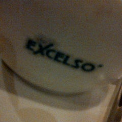 Photo taken at de`EXCELSO by Christian Dion S. on 7/20/2012