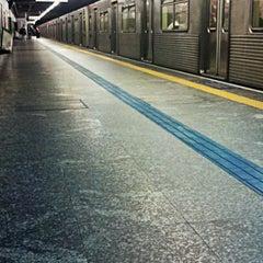 Foto tirada no(a) Estação Santa Cruz (Metrô) por ana luiza m. em 8/2/2012