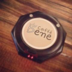 Photo taken at The Coffee Bean & Tea Leaf by Rachel K. on 8/12/2012