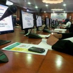 Photo taken at Jabatan Imigresen Malaysia by Amirul N. on 2/28/2012