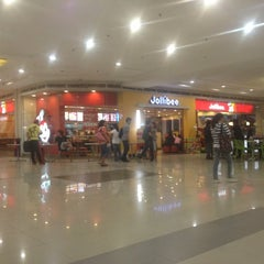 Photo taken at Gaisano Grand Mall by Stephen R. on 11/26/2012