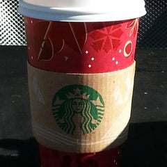 Photo taken at Starbucks by Pyly H. on 12/31/2013