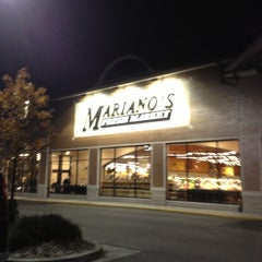 Photo taken at Mariano's Fresh Market by Andy P. on 11/16/2012