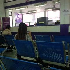 Photo taken at สำนักงานขนส่งกรุงเทพมหานครพื้นที่ 3 (สุขุมวิท 62) by Wa V. on 5/29/2013