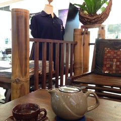 Photo taken at Doi Chaang Coffee by Gift G. on 1/5/2014