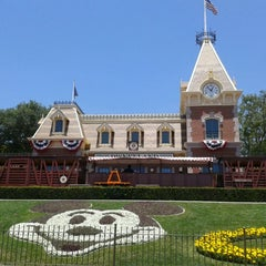Photo taken at Disneyland by Gustavo S. on 6/5/2013