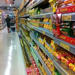 Photo taken at D'Ville Supermercados by Maria Luiza R. on 11/17/2012