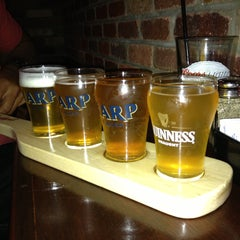Photo taken at Biggie's Restaurant Raw Bar Tavern by Nelly B. on 4/18/2013