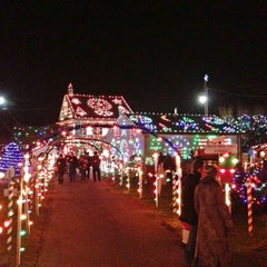 Photo taken at Koziar's Christmas Village by Zebulon B. on 12/12/2012
