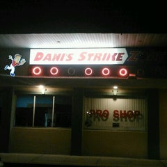 Photo taken at Dani's Strike Zone by Allen L. on 11/11/2012