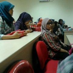Photo taken at Institut Ilmu Kesehatan - IIK Bhakti Wiyata Kediri by Maria L. on 11/28/2012