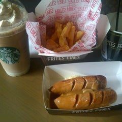 Photo taken at Starbucks by Edwin E. on 4/6/2013