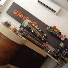 Photo taken at Grão Espresso by Gustavo L. on 11/30/2012