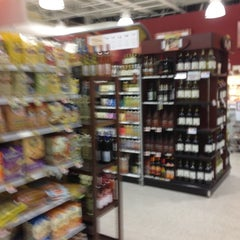 Photo taken at Publix by Chuck L. on 11/12/2012