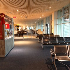 Photo taken at Aeropuerto Internacional El Tepual (PMC) by Diego R. on 12/6/2012