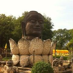 Photo taken at วัดธรรมิกราช (Wat Thammikarat) by Ji K. on 12/15/2012