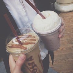 Photo taken at Costa Coffee by Cynthia M. on 7/18/2014