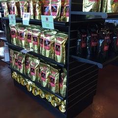 Photo taken at Kona Mountain Coffee by Rose B. on 10/18/2015