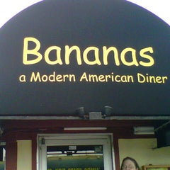 Photo taken at Bananas Modern American Diner by Arian R. on 12/1/2012