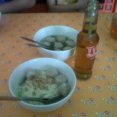 Photo taken at Mie Baso Aladin by Eka S. on 6/30/2013