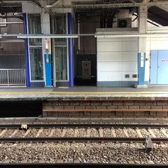Photo taken at 杉田駅 (Sugita Sta.) (KK46) by Pon N. on 2/23/2013