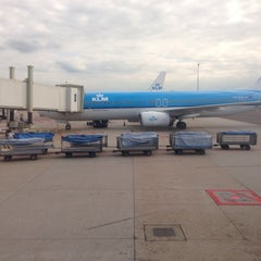 Photo taken at Gate D10 by J L. on 10/6/2013