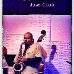 Photo taken at Somethin' Jazz Club by Tochtli G. on 11/14/2012
