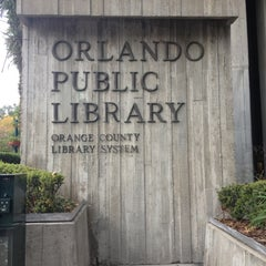 Orange County Library - Orlando Public Library에 Ani님이 11/16/2012에서 찍은 사진