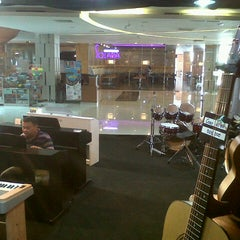 Photo taken at Hartono Lifestyle Mall by Sarbiyanto S. on 4/20/2013