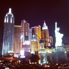 Photo taken at New York-New York Hotel & Casino by Daria P. on 5/9/2013