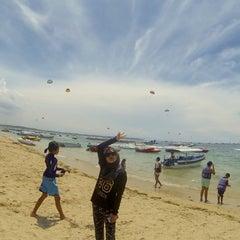 Photo taken at Tanjung Benoa Beach by Miera S. on 3/28/2016