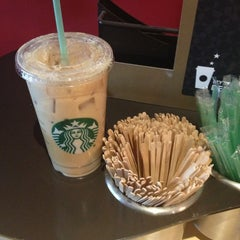 Photo taken at Starbucks by Mario Antonio G. on 5/20/2013