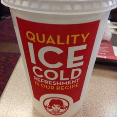 Photo taken at Wendy's by Kylie K. on 12/5/2012