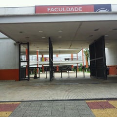 Photo taken at Faculdade Anhanguera by Paulo E. on 3/20/2013