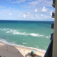 Photo taken at DoubleTree by Hilton Ocean Point Resort & Spa - North Miami Beach by Tim T. on 12/4/2012
